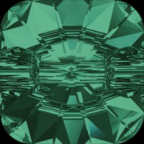 Nasturi Swarovski 3009 Emerald F (205) 12 mm